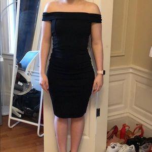 Off-the-shoulder Black bodycon dress